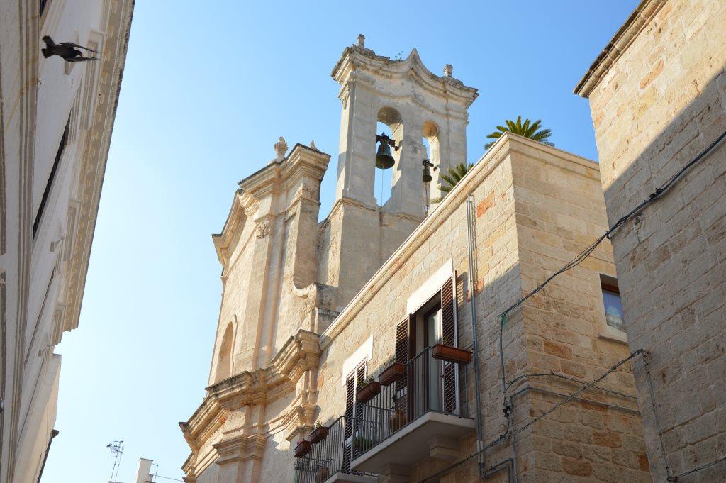 Neapel und Apulien   eine lohnenswerte Kombination staedtereisen sonne reisebericht new italien  tui berlin italien kirchturmglocke