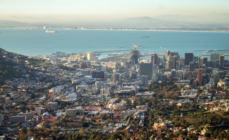 Was Sie noch nicht über Afrika wussten.... tui hotels tansania suedafrika strand simbabwe namibia kenia italien expertentipps botswana  tui berlin kapstadt tafelberg ausblick