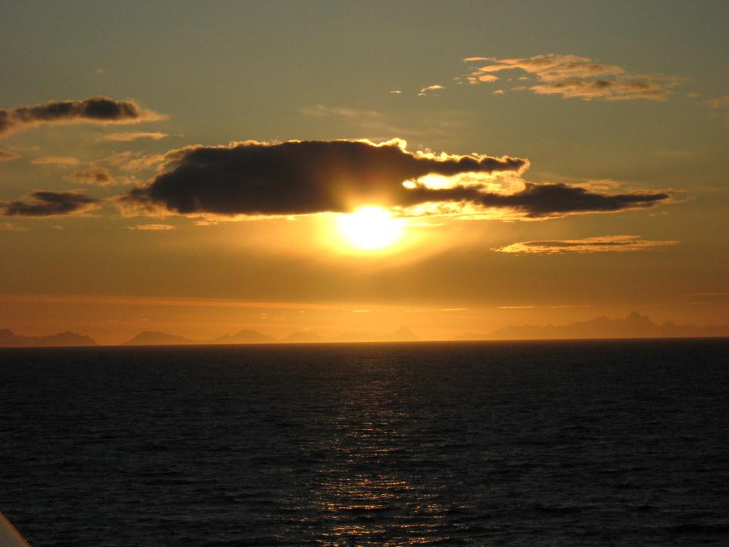 Weiße Nächte im Nordland. Kreuzfahrt mit  der Mein Schiff. norwegen kreuzfahrt europa  IMG 0661