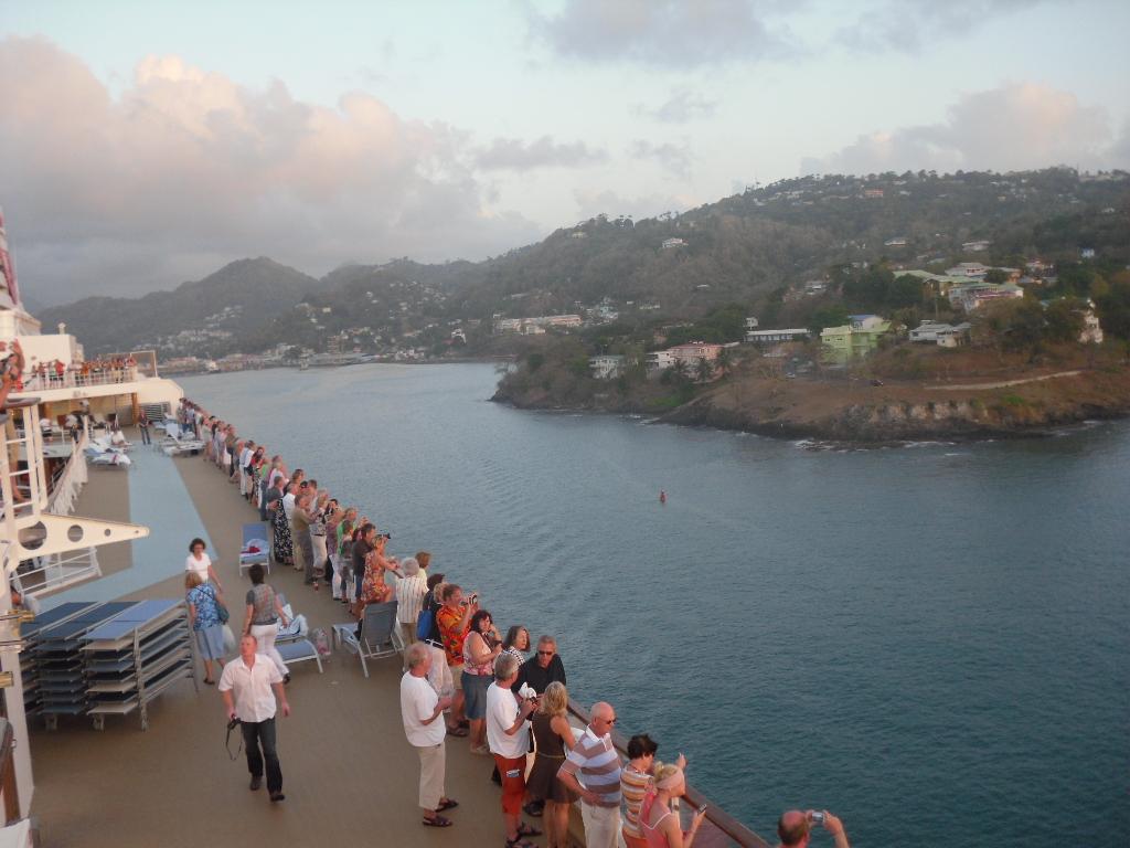 Karibikflair an Bord der Mein Schiff 1 staedtereisen sonne kreuzfahrt karibik mittelamerika  SDC13079