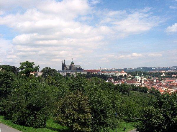 Prag. Die Goldene Stadt neu entdecken. tschechien staedtereisen europa  blick auf die prager burg
