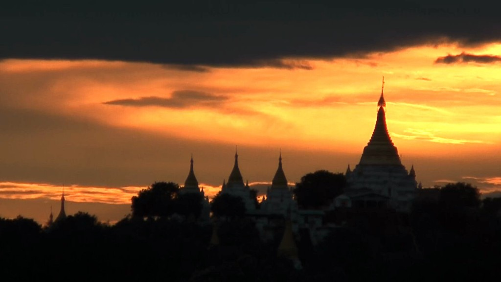 Legendäre Reisen. Road To Mandalay, Myanmar. staedtereisen sonne myanmar asien  saigan 02 1024x576