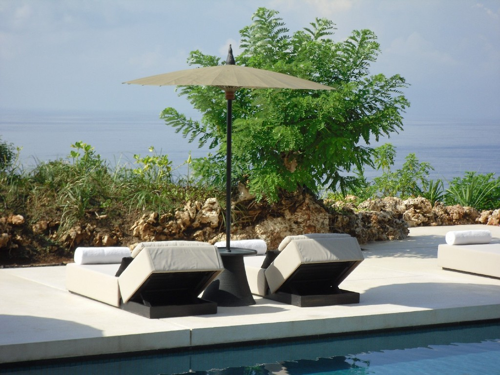 ALILA VILLAS ULUWATU   Bali strand honeymoon 2 asien  pool