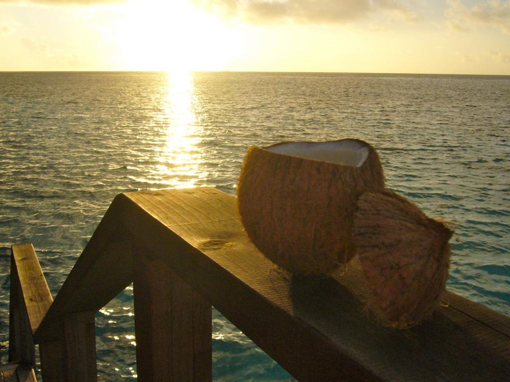 """Hochzeitsreise Malediven """"Lily Beach Resort & Spa"""" strand sonne malediven indischer ozean orient honeymoon 2  Bild 13"""