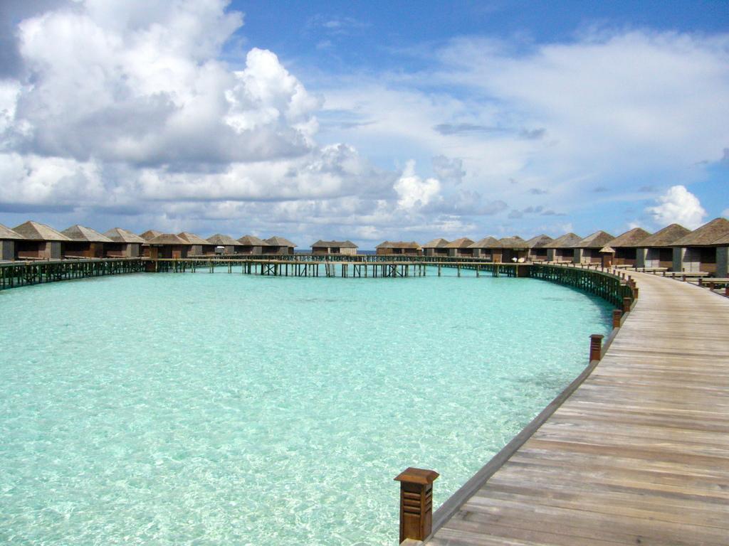 """Hochzeitsreise Malediven """"Lily Beach Resort & Spa"""" strand sonne malediven indischer ozean orient honeymoon 2  Bild 4"""