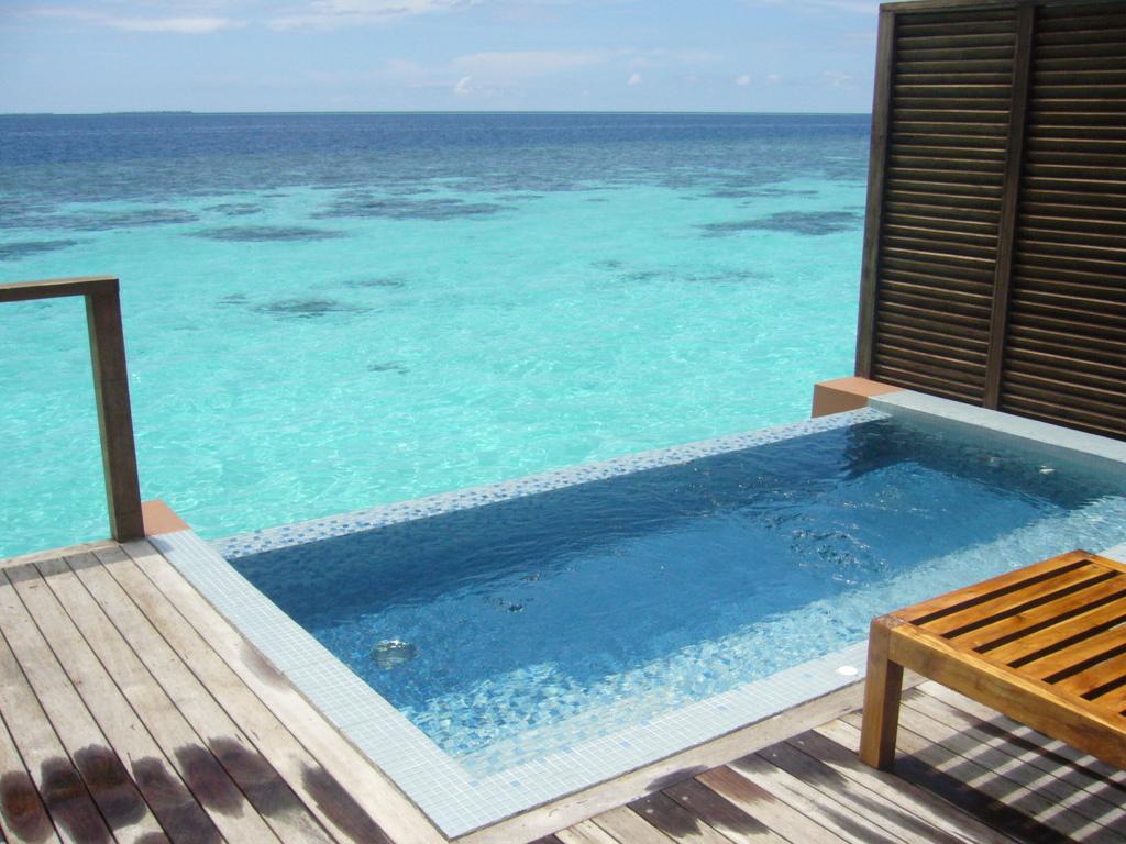 """Hochzeitsreise Malediven """"Lily Beach Resort & Spa"""" strand sonne malediven indischer ozean orient honeymoon 2  Bild 6"""