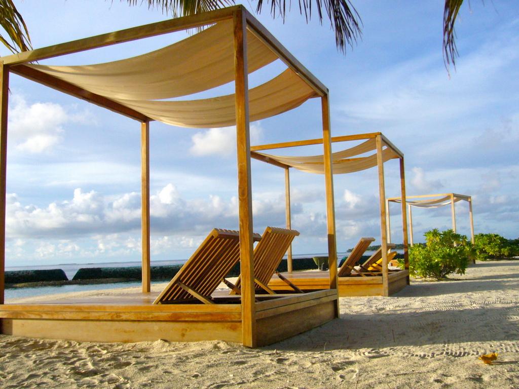 """Hochzeitsreise Malediven """"Lily Beach Resort & Spa"""" strand sonne malediven indischer ozean orient honeymoon 2  Bild 8"""
