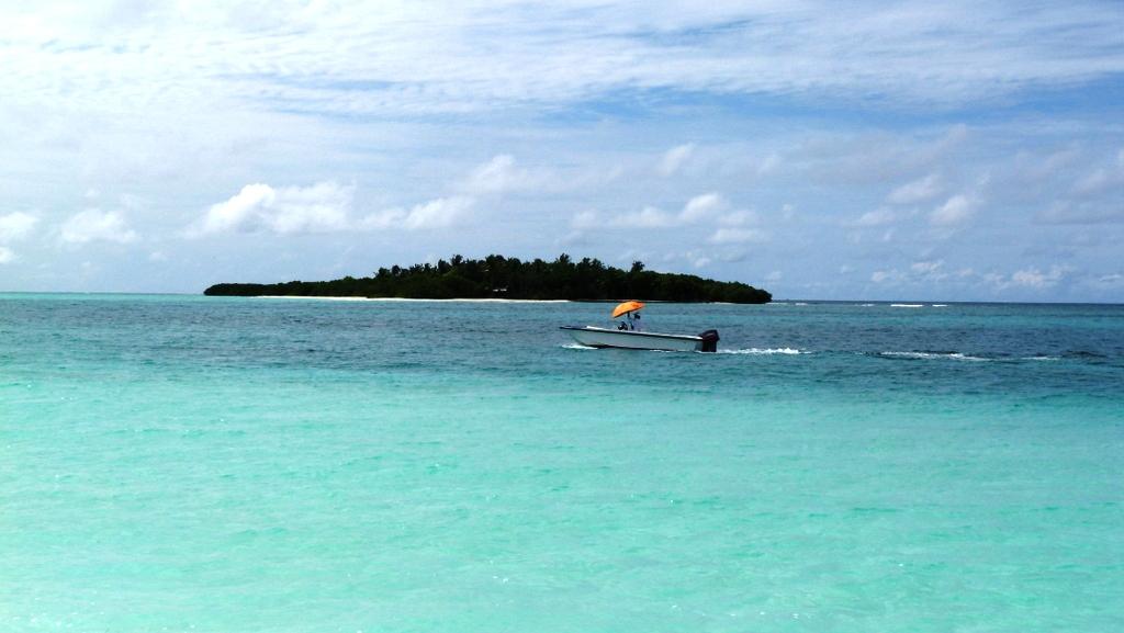 Kurztrip auf die Malediven. Mit Qatar Airways nach Kanuhura strand sonne malediven indischer ozean orient familie  P1030316