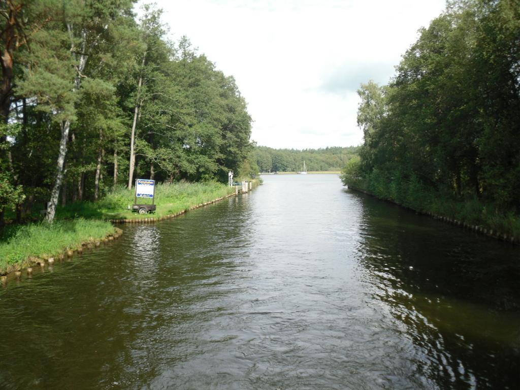 Naturnah. Bootsferien mit LeBoat. Exklusiv bei TUI. familie europa  SDC18076