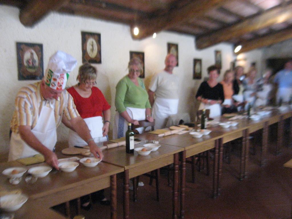 Toskana. Gourmet, Kultur und Lebensart. Eine kulinarische Reise in das Herz Italiens. staedtereisen sonne italien familie europa  IMG 067411
