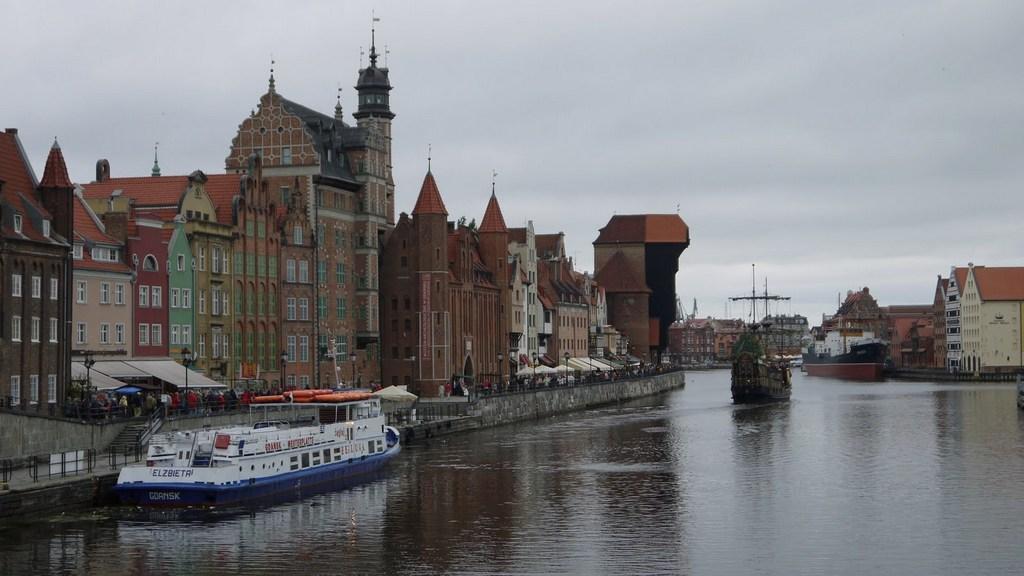 Ostsee & Baltikum mit der Mein Schiff 2. Ein perfekter Familienurlaub mit Baby staedtereisen kreuzfahrt europa  Danzig1