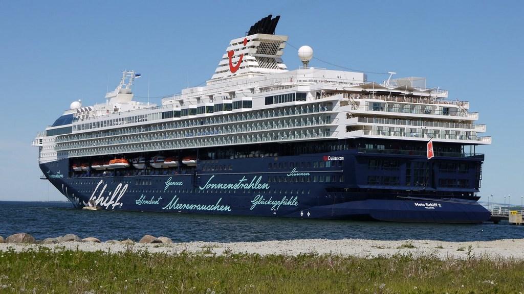 Ostsee & Baltikum mit der Mein Schiff 2. Ein perfekter Familienurlaub mit Baby staedtereisen kreuzfahrt europa  Mein Schiff in Tallinn