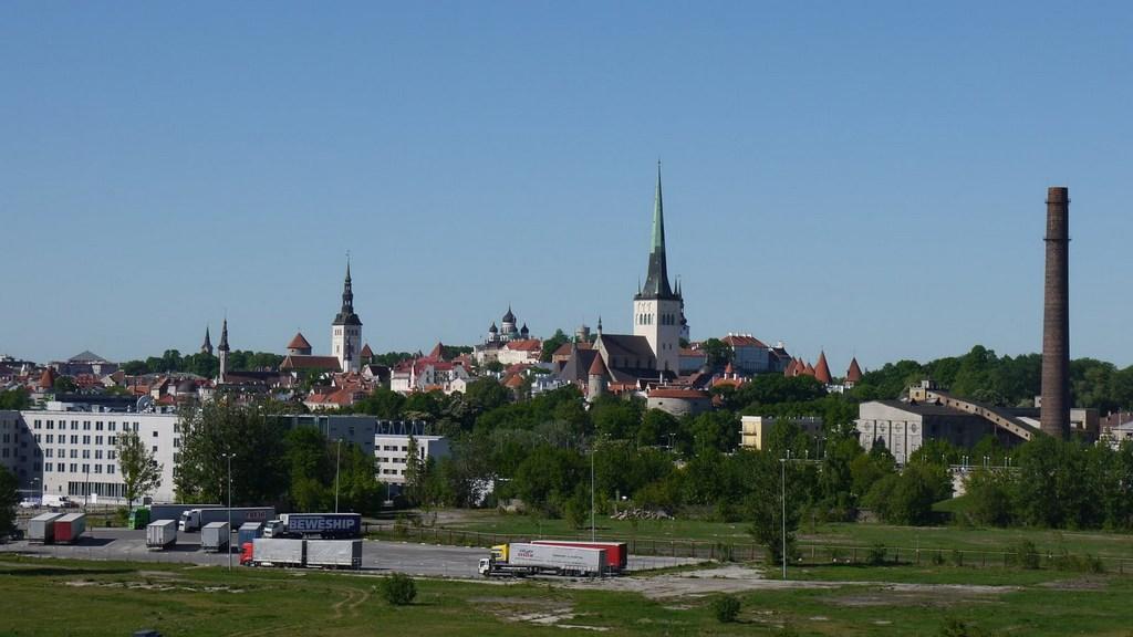 Ostsee & Baltikum mit der Mein Schiff 2. Ein perfekter Familienurlaub mit Baby staedtereisen kreuzfahrt europa  Tallinn1
