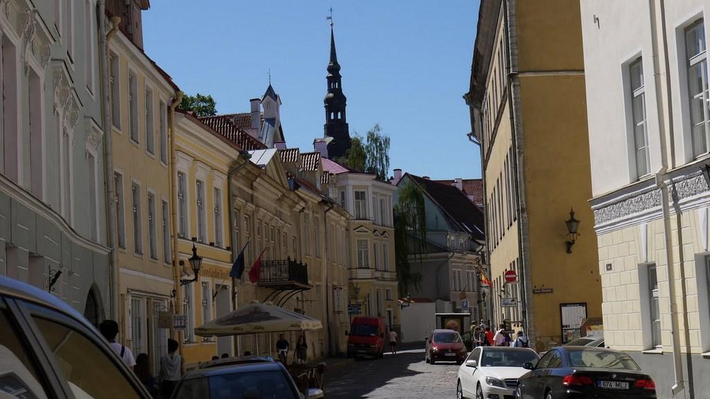 Ostsee & Baltikum mit der Mein Schiff 2. Ein perfekter Familienurlaub mit Baby staedtereisen kreuzfahrt europa  Tallinn2