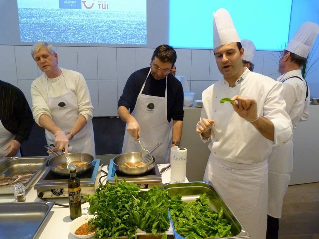 Griechisch Kochen in der World of TUI staedtereisen europa  P1060152