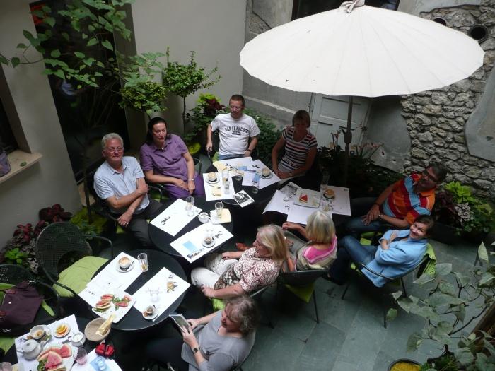Krakau. World of TUI persönlich staedtereisen land und leute familie europa  tui berlin krakau restaurant camelot innenhof