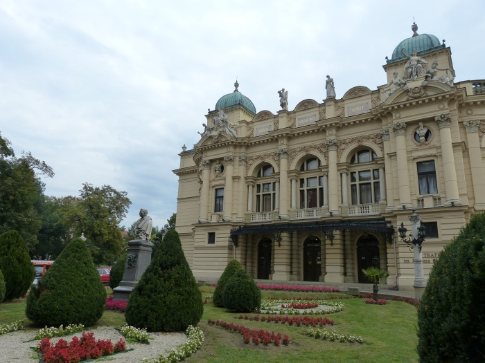 Krakau. World of TUI persönlich staedtereisen land und leute familie europa  tui berlin slowacki theater