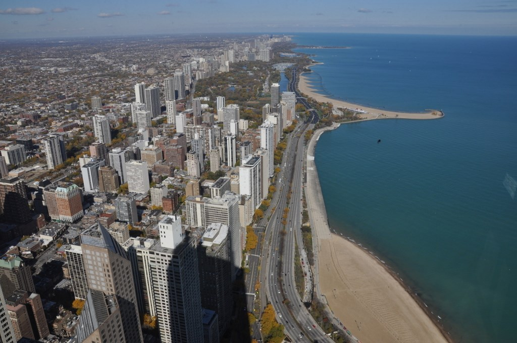 Chicago. The windy City am Lake Michigan. usa staedtereisen land und leute karibik mittelamerika  tui berlin usa chicago ausblick hancock tower strand