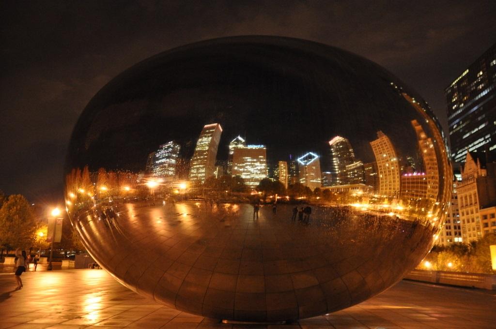 Chicago. The windy City am Lake Michigan. usa staedtereisen land und leute karibik mittelamerika  tui berlin usa chicago cloud gate nacht