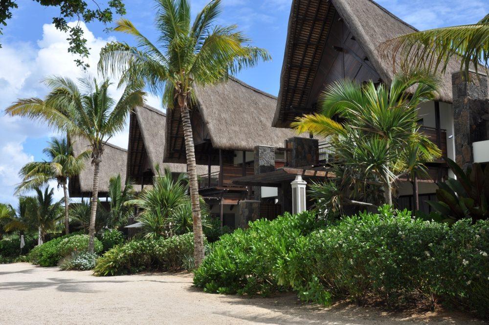 Mauritius und Ras Al Khaimah. Eine Strand  und Wüstenkombination. sonne mauritius indischer ozean orient honeymoon 2  tui berlin mauritius Angsana Balaclava villen