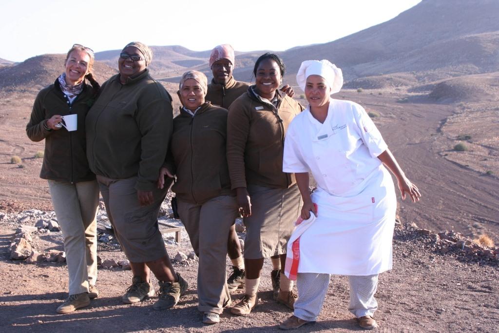 Namibia Treasures. sonne safari namibia afrika  tui berlin namibia damaraland camp crew