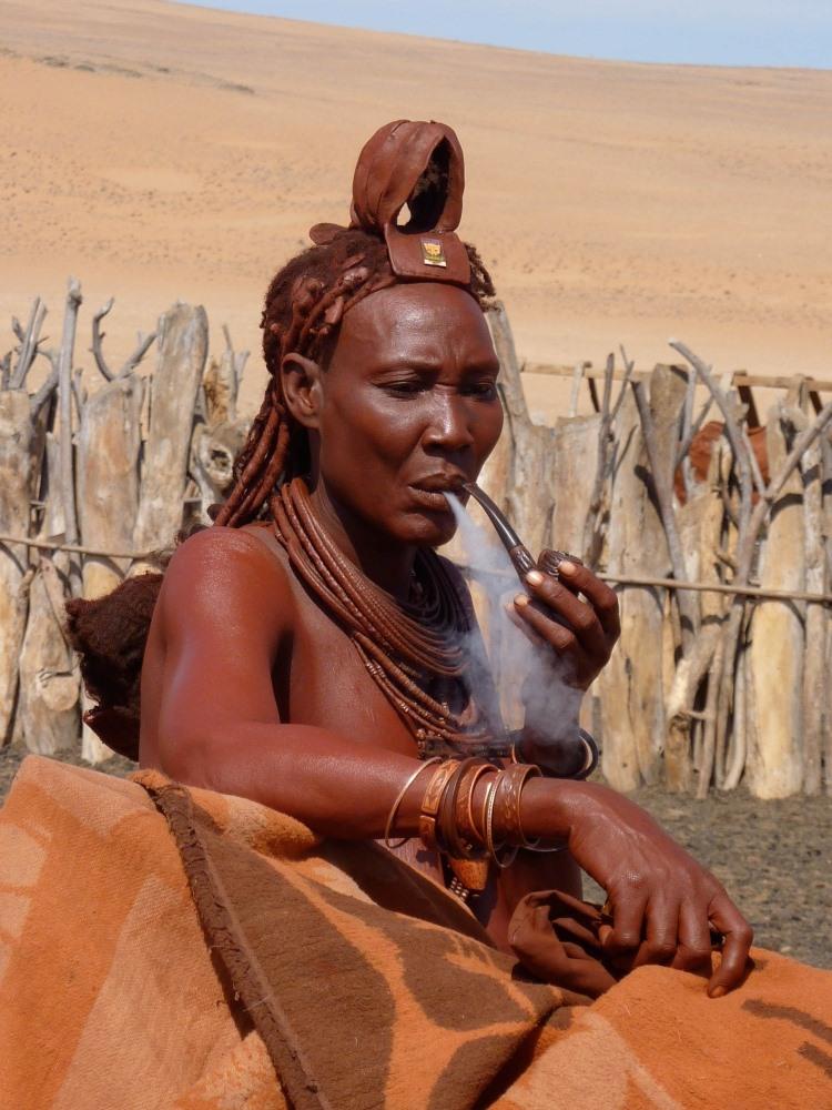 Namibia Treasures. sonne safari namibia afrika  tui berlin namibia serra cafema himba raucher