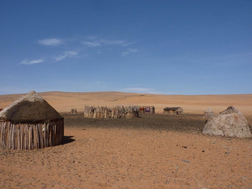Namibia Treasures. sonne safari namibia afrika  tui berlin namibia serra cafema himba stamm dorf