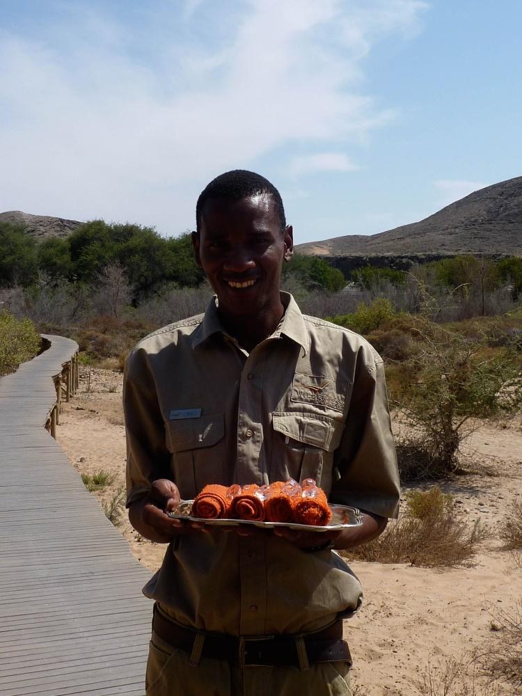 Namibia Treasures. sonne safari namibia afrika  tui berlin namibia serra cafema staff