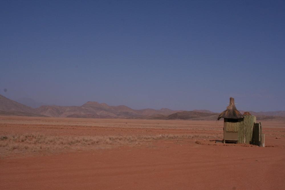 Namibia Treasures. sonne safari namibia afrika  tui berlin namibia toilettenhaus airstrip