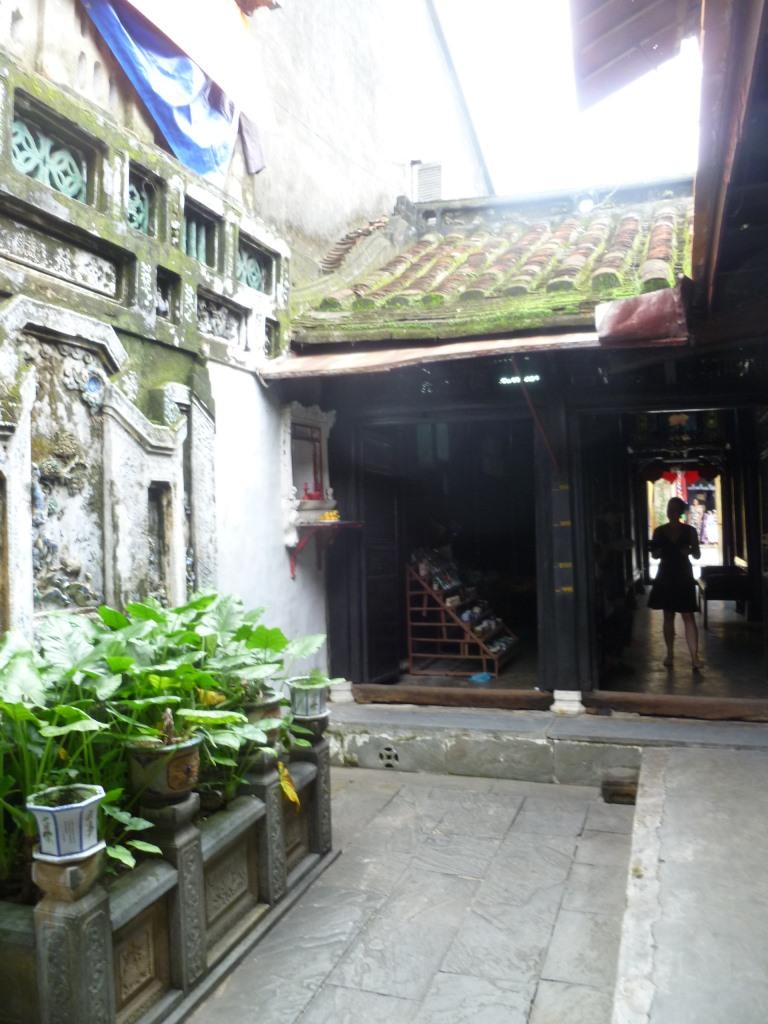 Hoi An. Freiluftmuseum in Zentralvietnam. vietnam strand staedtereisen sonne land und leute asien  tui berlin vietnam hoi an altstadt privathaus hinterhof