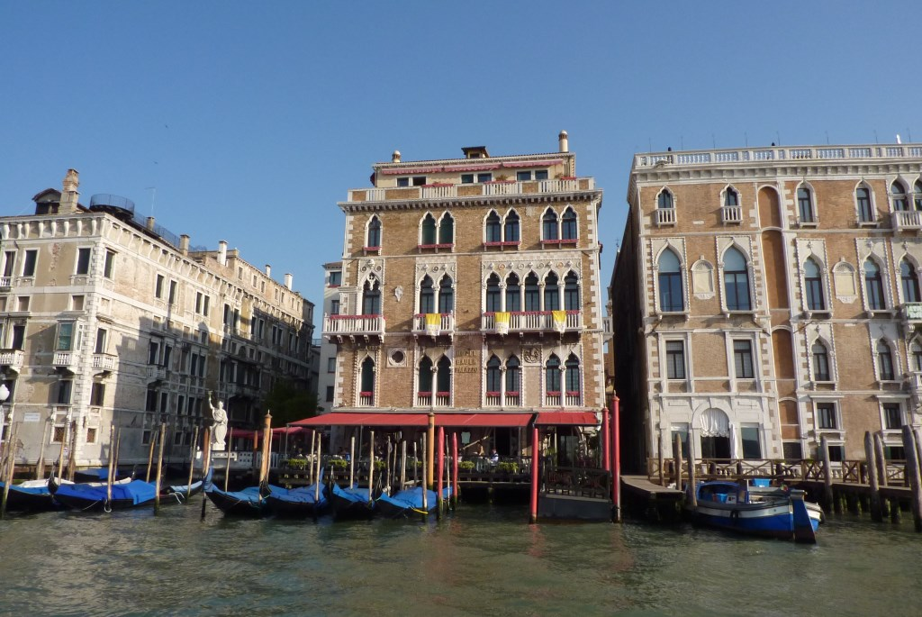 Venedig im Regen   wunderschön! staedtereisen italien europa  tui berlin bauer palazzo sonne