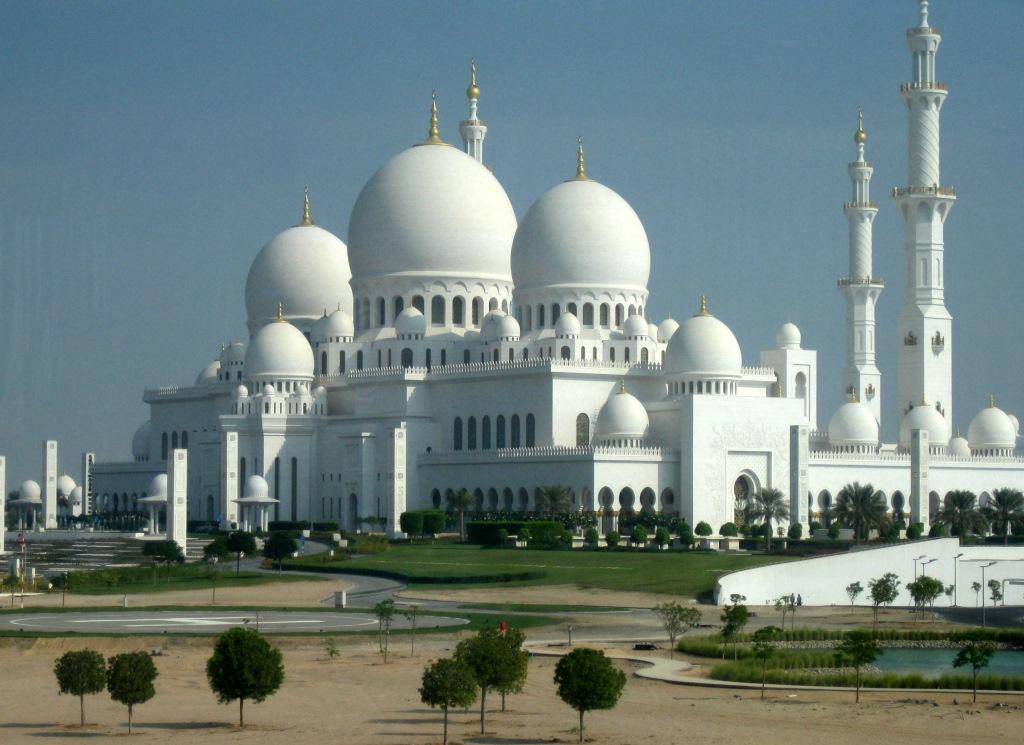 Mein Schiff 2. Reise ins Morgenland   Dubai und Orient. staedtereisen land und leute orient oman kreuzfahrt dubai abu dhabi  tui berlin kreuzfahrt dubai orient sheik zayed moschee