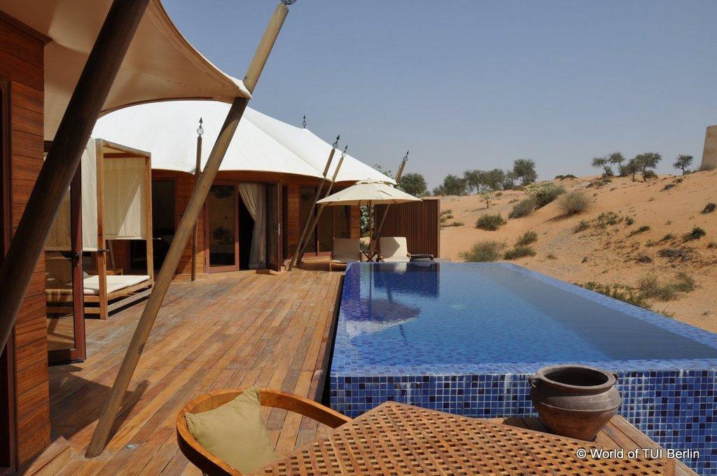 Sandboarding in Ras Al Khaimah. Eine Auszeit im Banyan Tree Al Wadi. staedtereisen sonne orient dubai  tui berlin ras al khaimah banyan tree al wadi pool villa