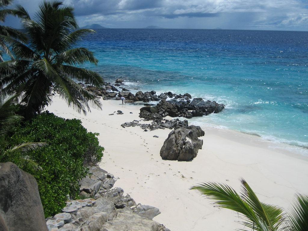 Seychellen. Frégate Island Private strand sonne seychellen reisebericht indischer ozean orient honeymoon 2  tui berlin seychellen fregate island strand