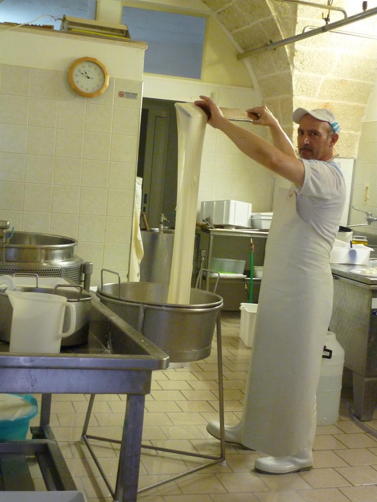Durch Apulien und seine Kochtöpfe staedtereisen sonne land und leute italien europa  P1070402