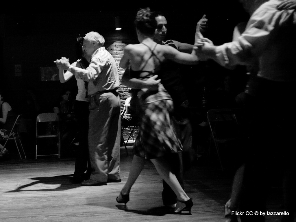Tango, Taxi und Tortoni. Eine Odyssee durch das Nachtleben von Buenos Aires staedtereisen sonne land und leute argentinien karibik mittelamerika  2 Milonga
