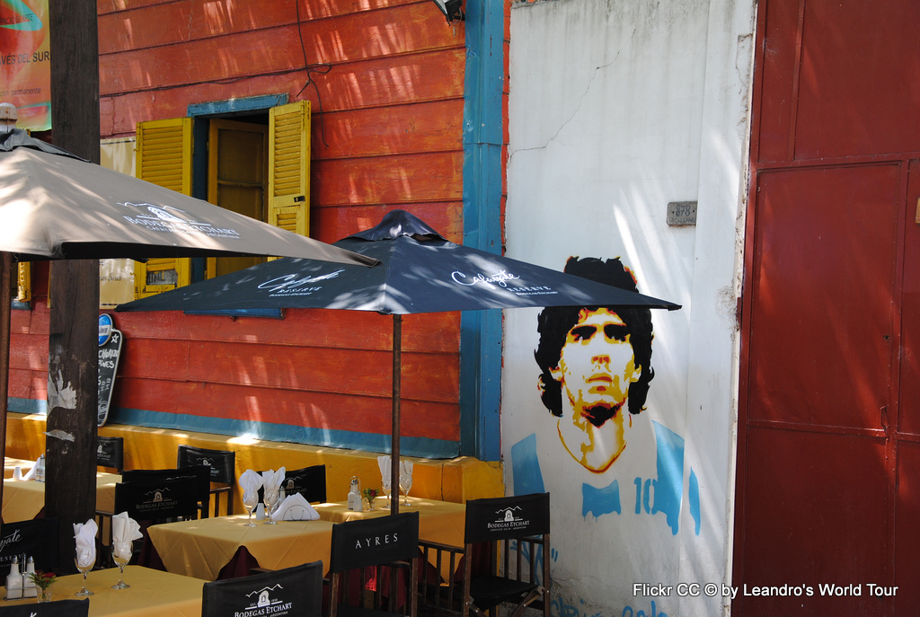 Tango, Taxi und Tortoni. Eine Odyssee durch das Nachtleben von Buenos Aires staedtereisen sonne land und leute argentinien karibik mittelamerika  7 Maradona el caminito