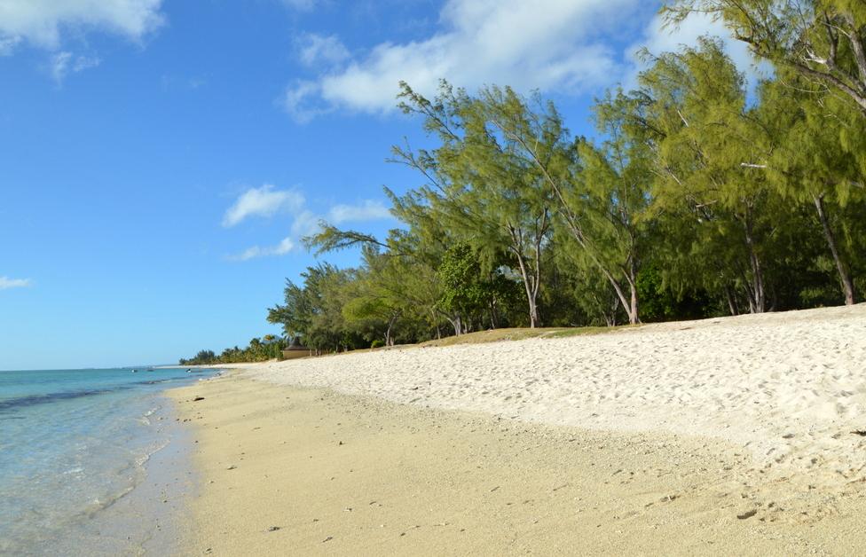 Mauritius. Auf den Spuren der Zuckerbarone. strand sonne mauritius indischer ozean orient honeymoon 2  Am Strand von Le Morne