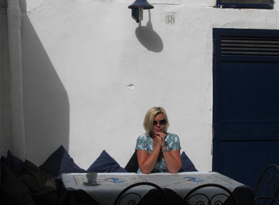 Sergio und die Trulli   Tour durch Apulien. staedtereisen sonne land und leute italien europa  BA Apulien Restauranttisch