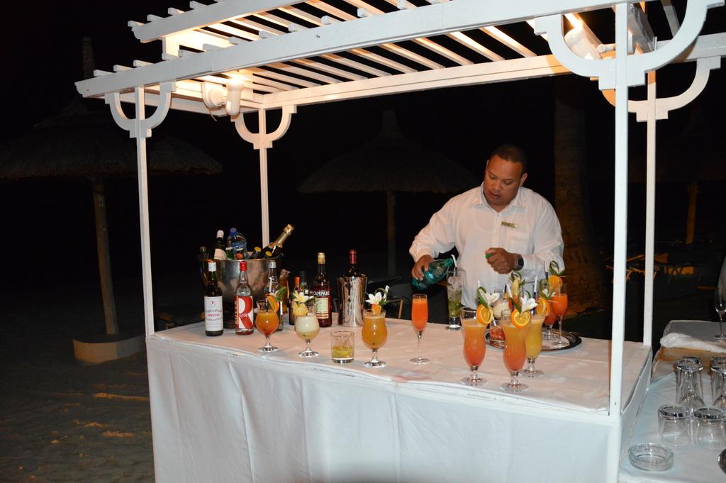 Mauritius. Auf den Spuren der Zuckerbarone. strand sonne mauritius indischer ozean orient honeymoon 2  DSC 02131