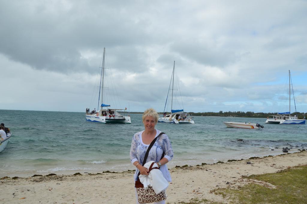 Mauritius. Auf den Spuren der Zuckerbarone. strand sonne mauritius indischer ozean orient honeymoon 2  DSC 0241