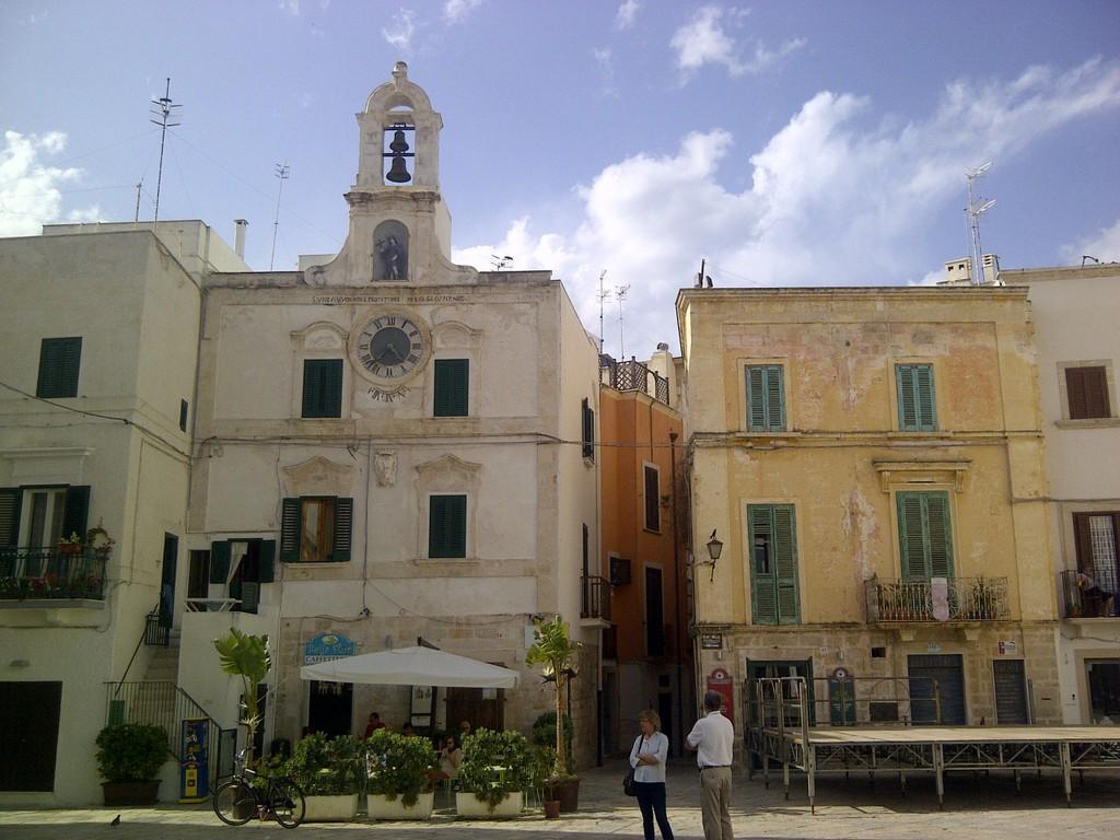 Sergio und die Trulli   Tour durch Apulien. staedtereisen sonne land und leute italien europa  IMG 20130517 004594
