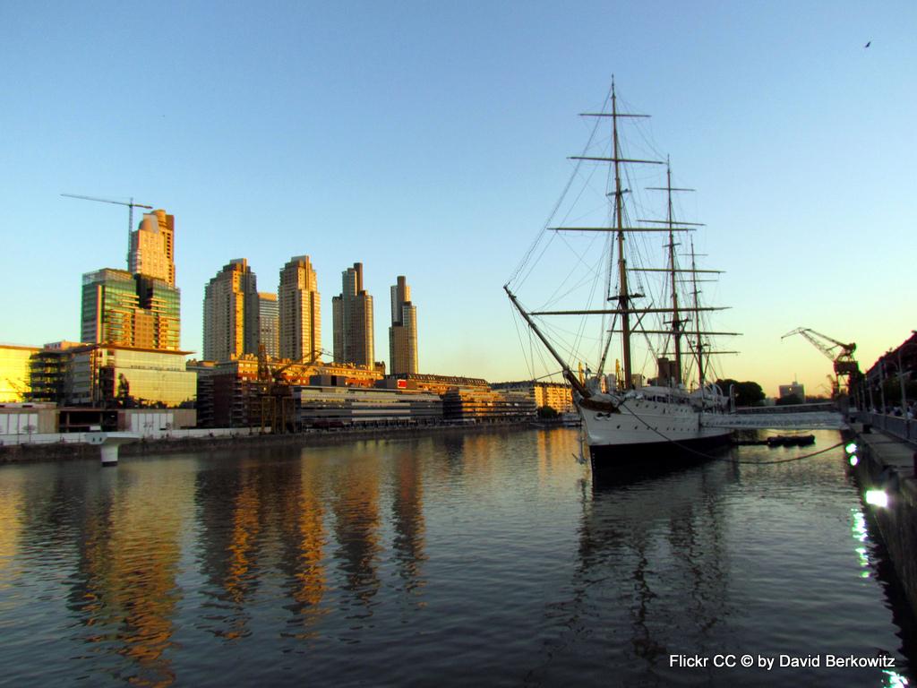Tango, Taxi und Tortoni. Eine Odyssee durch das Nachtleben von Buenos Aires staedtereisen sonne land und leute argentinien karibik mittelamerika  Puerto Madero