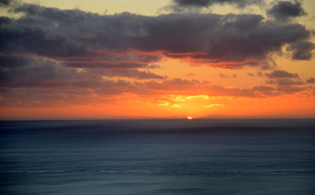 Mauritius. Auf den Spuren der Zuckerbarone. strand sonne mauritius indischer ozean orient honeymoon 2  Sonnenuntergang