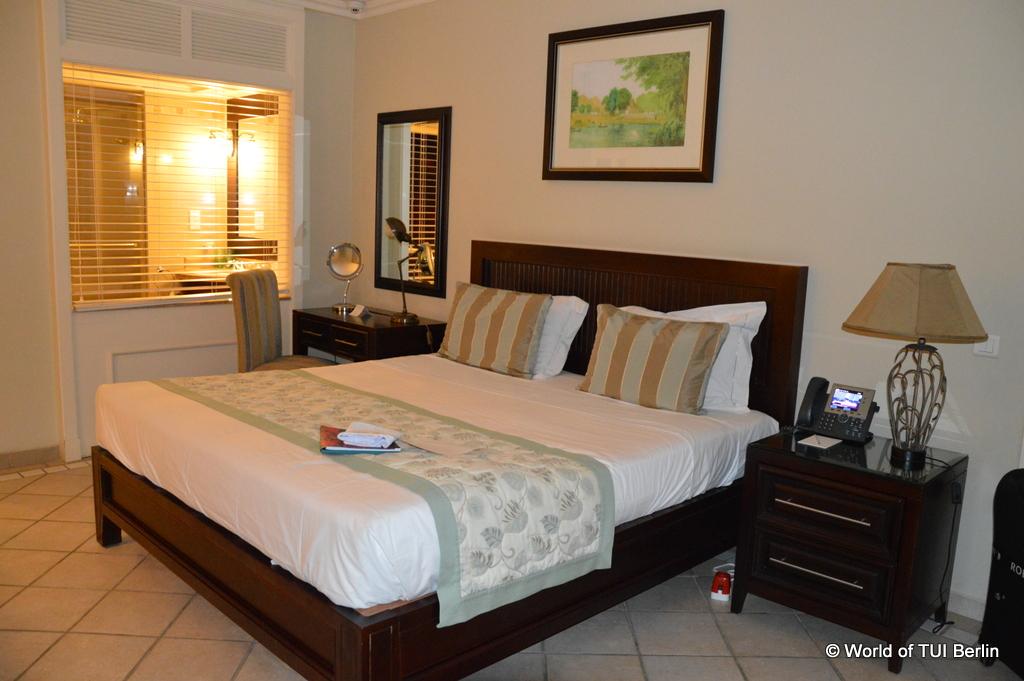 Mauritius. Auf den Spuren der Zuckerbarone. strand sonne mauritius indischer ozean orient honeymoon 2  Superior Zimmer Sugar Beac
