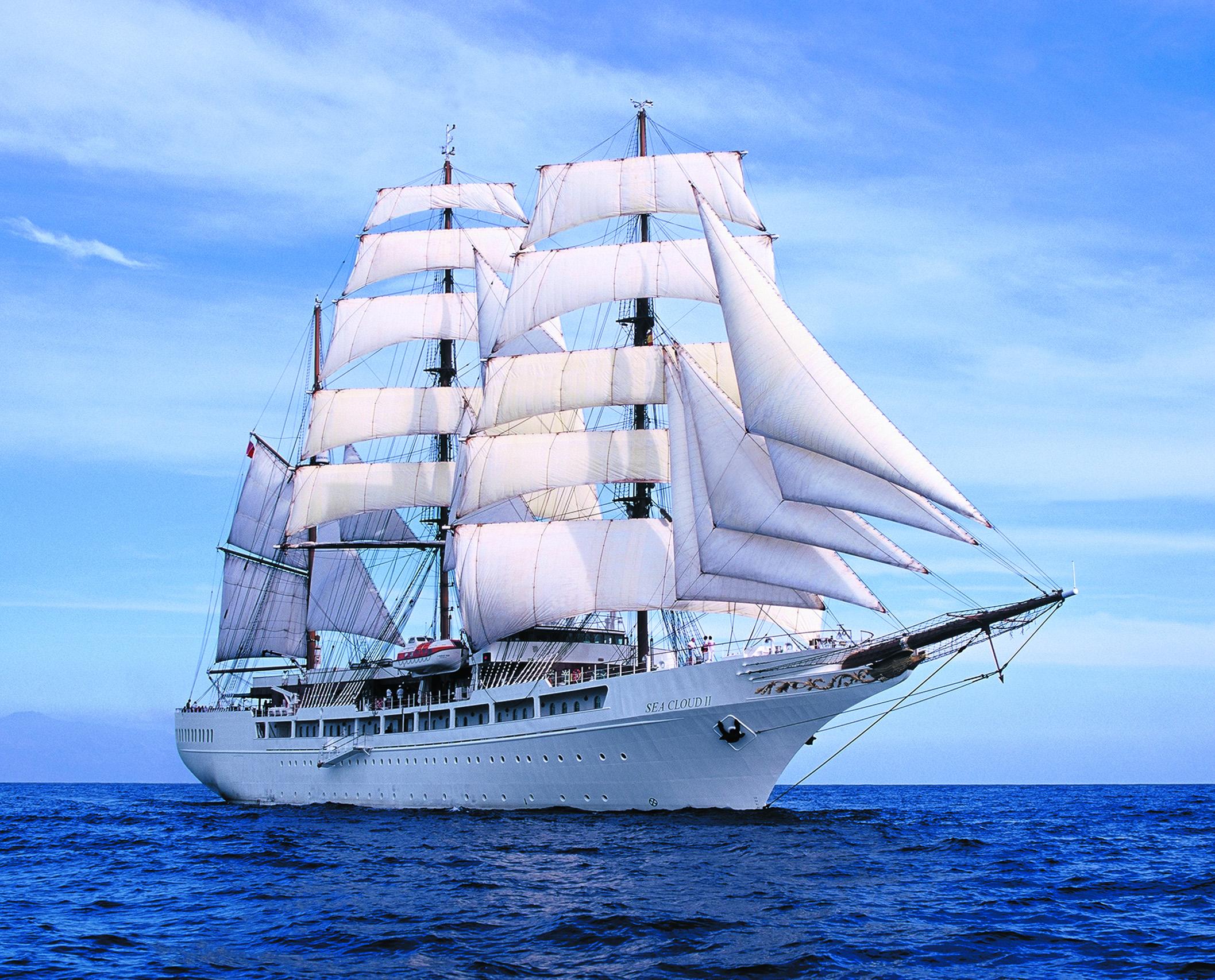 Hochzeit unter Segeln. Verliebt, verlobt, verheiratet. kreuzfahrt honeymoon 2 europa  SeaCloud II Ship 02