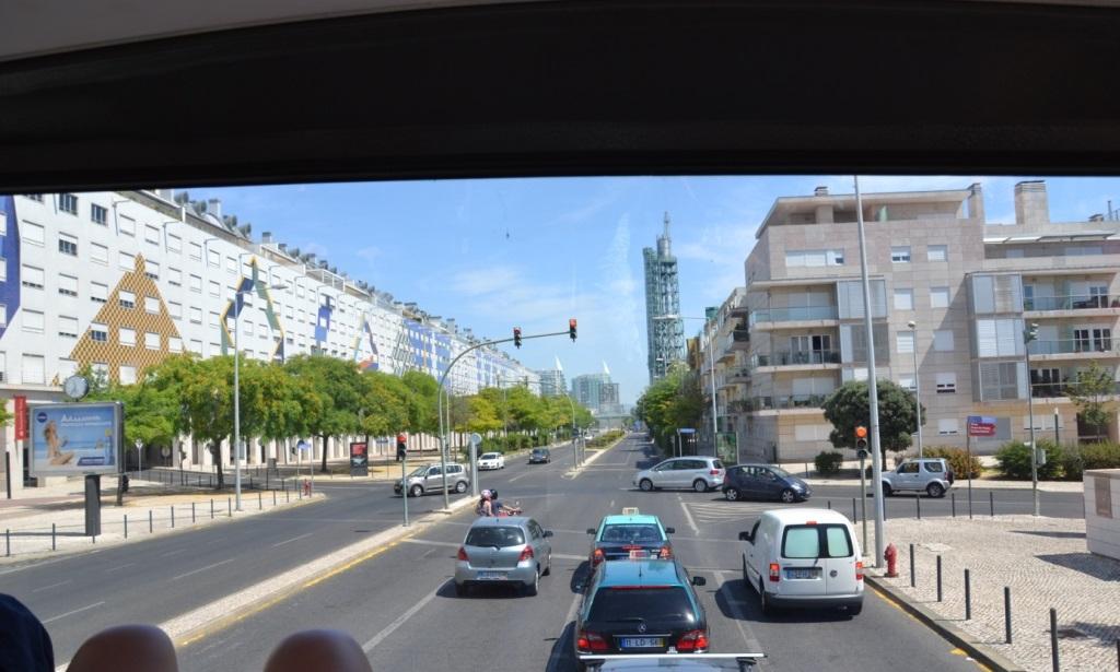 Lissabon   leise rieselt der Putz oder Liebe auf den zweiten Blick. staedtereisen sonne land und leute portugal europa  tui berlin lissabon parque das nacoes