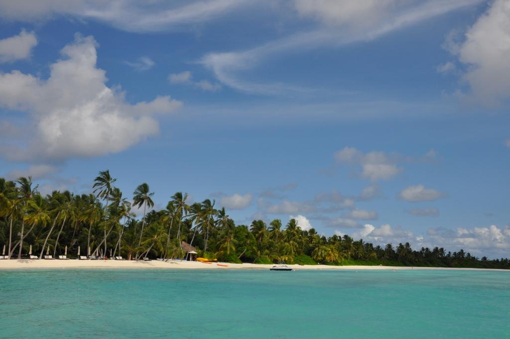Shangri La Villingili   von Puderzuckerstrand und anderen Nebensächlichkeiten strand sonne malediven indischer ozean orient honeymoon 2  tui berlin malediven shangri la villingili strand