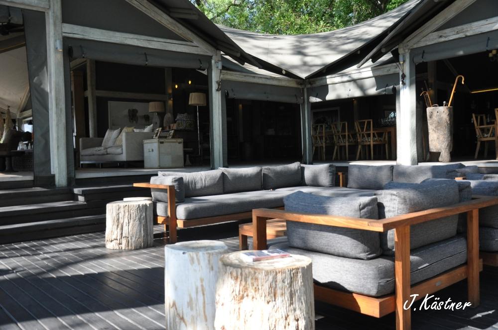 Botswana Treasures. sonne safari botswana afrika  tui berlin Botswana Abu Camp Lounge