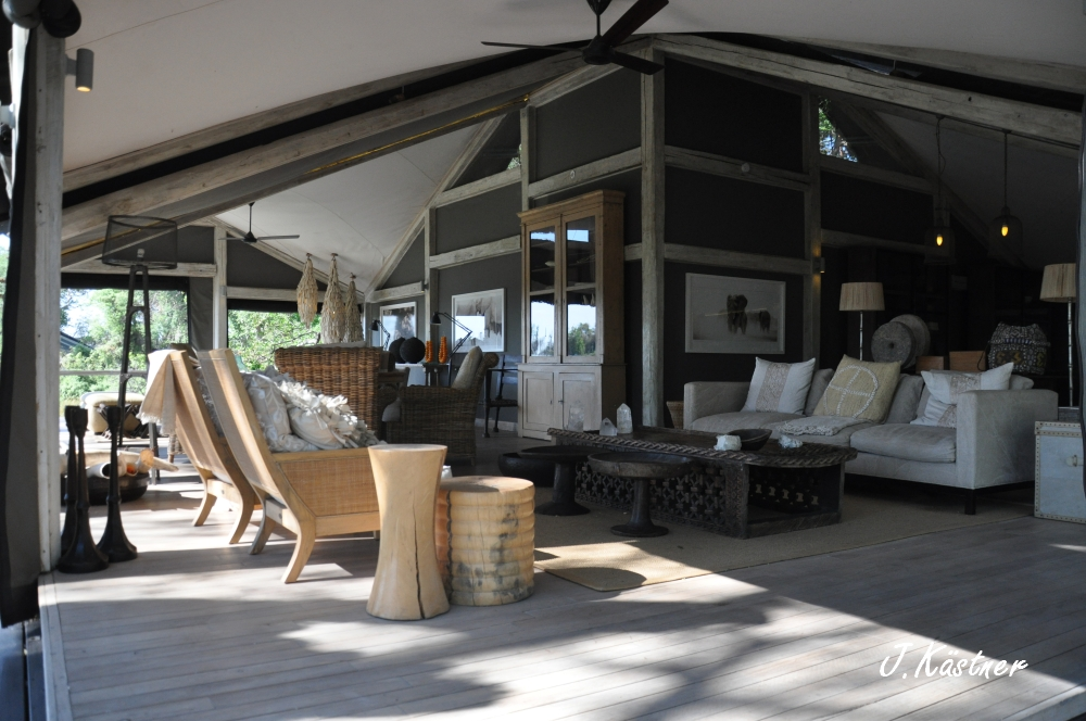 Botswana Treasures. sonne safari botswana afrika  tui berlin Botswana Abu Camp Lounge Chillen